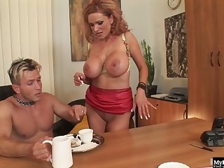 Sharon Pink has no problem taking any dudes penis up her ratchet snatc
