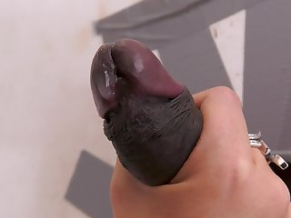 Top mature plays with a BBC through the glory hole