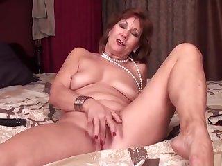 Adorable experienced woman haning an incredible masturbation