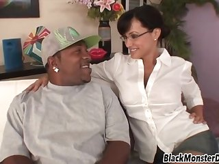 Lisa Ann Has Fun With Beefy Ebony Dude Having Very Fat Dick