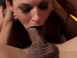 Glamour milf beauty bouncing on dick