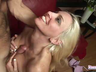 Big Bust mature Gets Her Snatch Licked Before Hunk Bangs Her