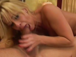 Unearthly buxomy mature woman receives a hard asshole fuck