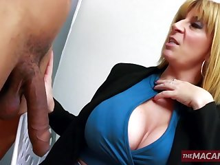 Experienced blonde serves fresh cock with her mature holes