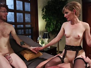 Skinny MILf wants to fuck with hubby as a witness
