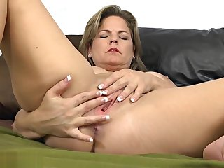 Hot milf felt horny and started jerking off