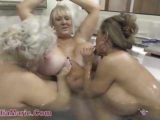 Lesbian threesome with fat BBW moms in bathtub and in shower