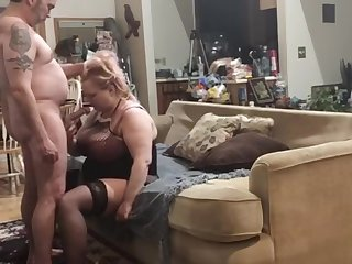 Daddy slams my pussy so good I cum all over us during corona quarantine