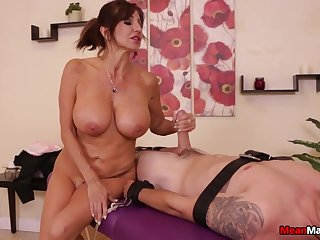 Massage with a happy ending for a big dick guy by a mature slut