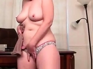 Mature chinese masturbate shows