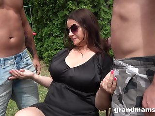 Chubby mature on her knees getting fucked in pussy and mouth