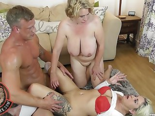 Mature slut drops on her knees for a nice FFM threesome with Camila