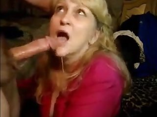 Very hot granny sucking dick till cum on her mouth