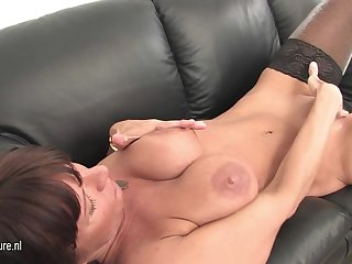 This Milf Loves To Stay Home And Play - MatureNL