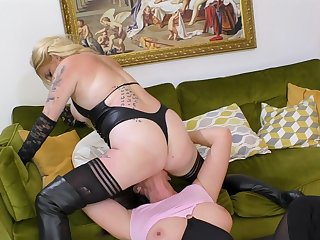 Mature lesbians in brutal scenes of femdom porn