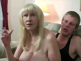 Mature amateur mom in stockings smoking while toyboy fucking her pussy