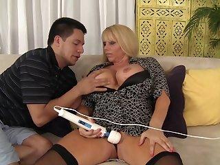Flirtatious mommy Karen Fisher hard sex clip