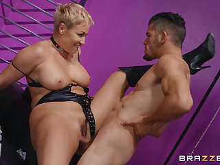 Mature screams and moans with younger cock fucking her roughly