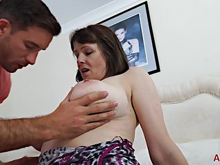 Young guy fucked chubby mature Tigger in hardcore style